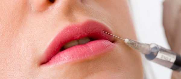 Cosmetic Courses; banner showing the side effects of lip filler