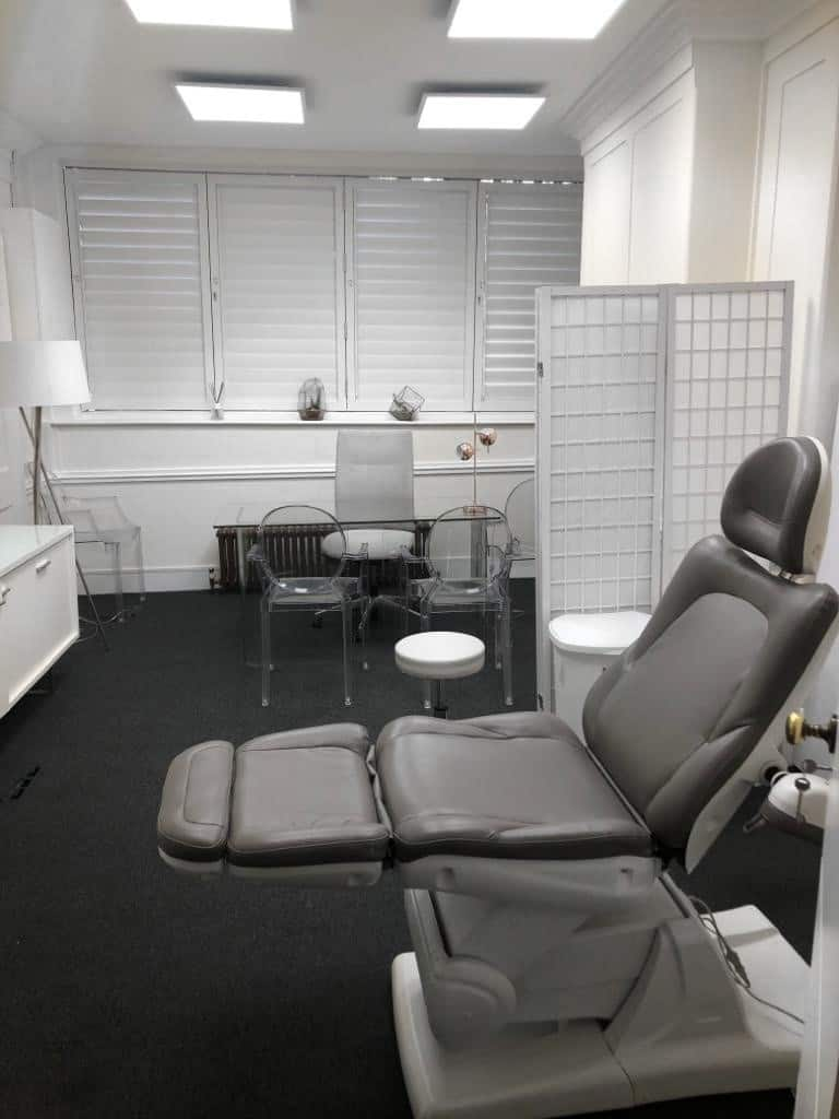 Treatment room Cosmetic Courses London